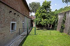 Italienisches Bauernhaus zum Verkauf im Piemont - Back garden