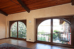 Luxury Country home for sale in Piemonte - Exposed wood ceiling