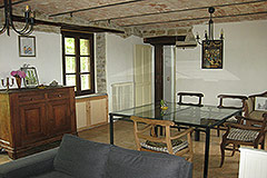 Restored Langhe Stone farmhouse for sale in Piemonte - Living area