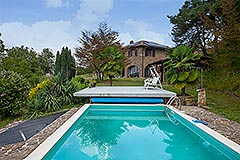 Italian Country House for sale in Piemonte - Pool area