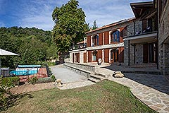 Luxury Country home for sale in Piemonte Italy - Outside living area