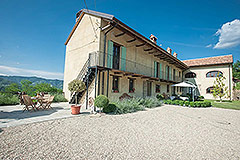 Restored Country House for sale in Piemonte - L shaped property