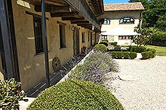 Restored Country House for sale in Piemonte - Courtyard