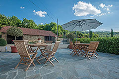 Restored Country House for sale in Piemonte - Outside living area