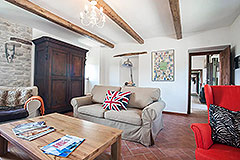 Restored Country House for sale in Piemonte - Front room