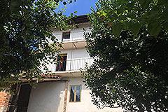 Italian village house for sale in Piemonte. - Balcony