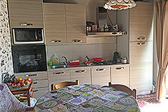 Italian village house for sale in Piemonte. - Kitchen