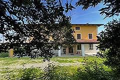 Tenuta di campagna in vendita in Piemonte - Front view
