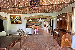 Tenuta di campagna in vendita in Piemonte - Cotto floor tiles