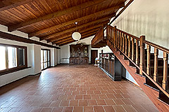Tenuta di campagna in vendita in Piemonte - Exposed wooden ceiling