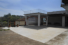 Village house for sale in Piemonte - Terrace and parking area