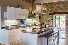 Langhe Stone Farmhouse with Infinity Swimming Pool - Kitchen