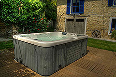 Country Estate  for sale in Piemonte Italy - Hot Tub