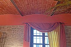 Langhe Village Property - Vaulted ceiling