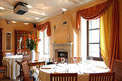 Langhe Village Property - Dining area