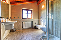 Luxury Stone House for sale in Piemonte Italy - Bathroom