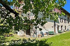 Cascina in pietra in vendita in Piemonte - Front view