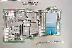 Detached villa in a residential area with large garden and swimming pool. - House Plans