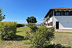 Country House for sale in Piemonte - Side view