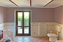 Country House for sale in Piemonte - Spacious bathroom