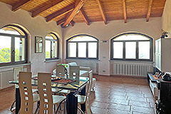 Country House for sale in Piemonte - Spacious Kitchen Dinning area