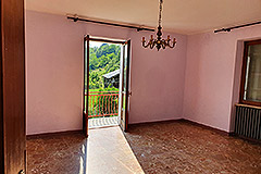 Country House and barn for sale in Piemonte - Living area