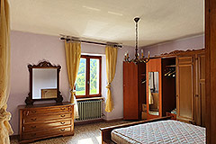 Country House and barn for sale in Piemonte - Bedroom