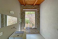 Luxury Restored Stone House for sale in Piemonte - Luxury bathroom