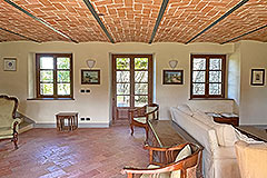 Two Restored Country Houses for sale in Piemonte - Vaulted ceiling
