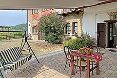 Country Estate and Vineyard - Outside area