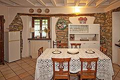 Country Estate and Vineyard - Dining area