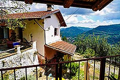 Two Country Houses for sale in the Langhe Hills - Panoramic position