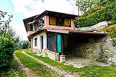Two Country Houses for sale in the Langhe Hills - House 1