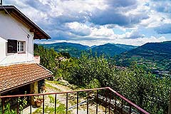 Two Country Houses for sale in the Langhe Hills - Views House 2