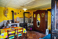 Two Country Houses for sale in the Langhe Hills - House 2 Living area